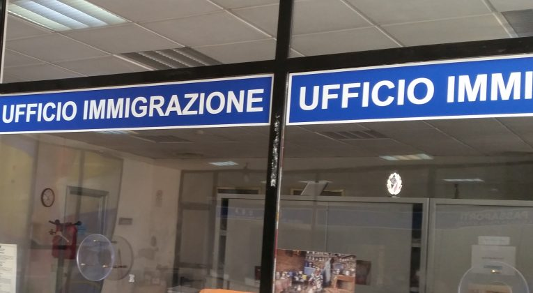 Tre stranieri pluripregiudicati espulsi e rimpatriati ...