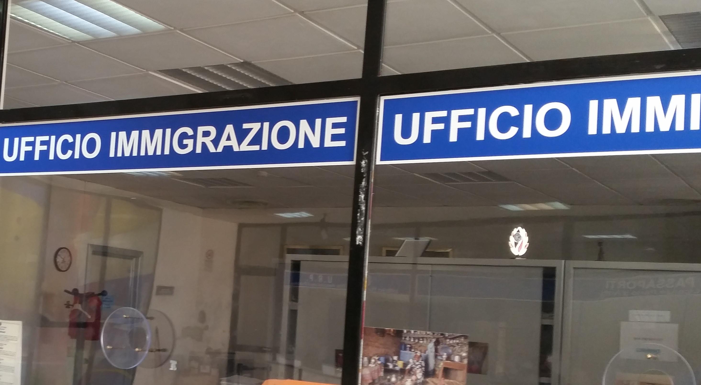 Tre stranieri pluripregiudicati espulsi e rimpatriati dalla ...