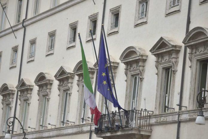 "Crisi, Di Maio ""Da Renzi gesto irresponsabile"". Bonetti:"
