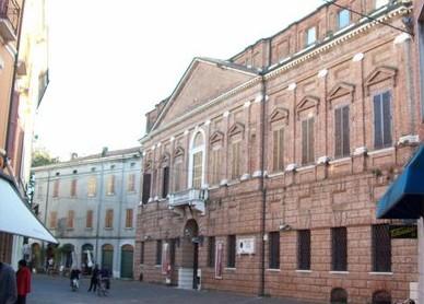 Il municipio di Ostiglia